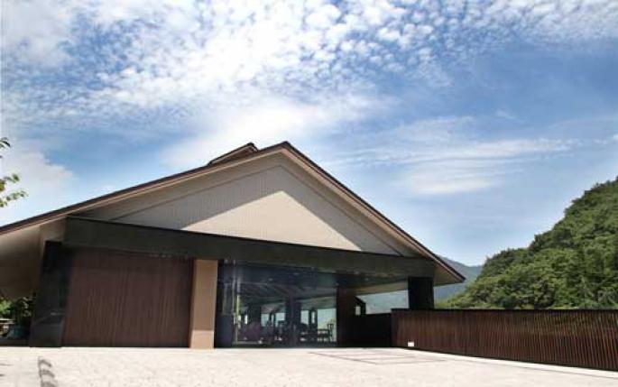 アート と 音楽 の ホテル 真奈 邸 箱根